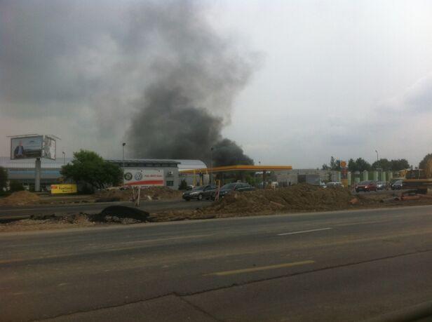 Pożar w garażu warszawa@tvn.pl