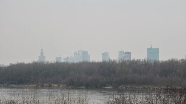 """Dziś powietrze w centrum miało parametr """"bardzo złe"""" Mateusz Szmelter / tvnwarszawa.pl"""