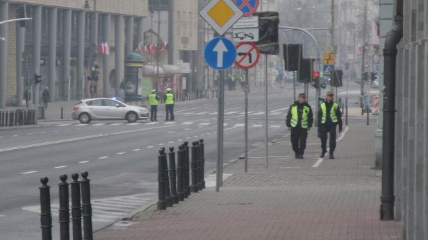 Niektóre ulice są już wyłączone z ruchu Mateusz Szmelter / tvnwarszawa.pl