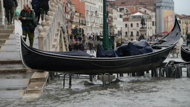 """""""Stoimy w obliczu apokaliptycznego, totalnego zniszczenia"""". Ofiary śmiertelne w Wenecji"""