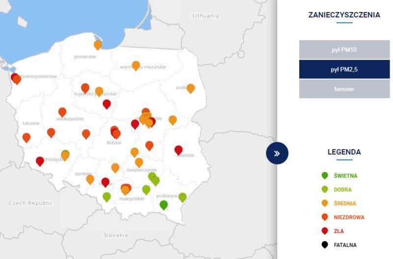 Stężenie pyłu PM2,5 około godziny 18 (tvnmeteo.pl za GIOŚ)