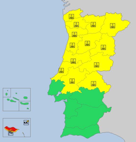 Ostrzeżenia meteorologiczne w Portugalii. Madera zaznaczona jest w lewym dolnym rogu. (źródło: meteoalarm.eu)